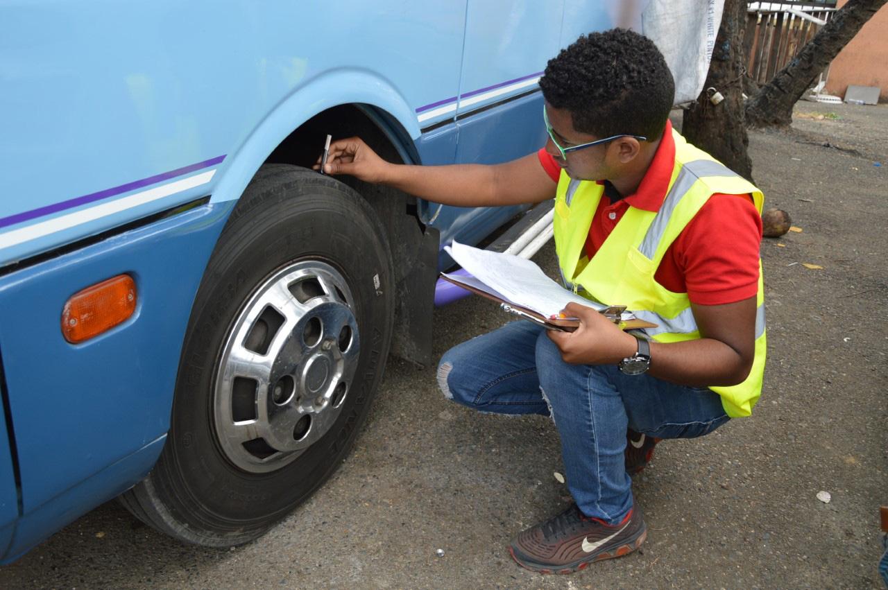 Intrant realiza inspección vehicular por Semana Santa