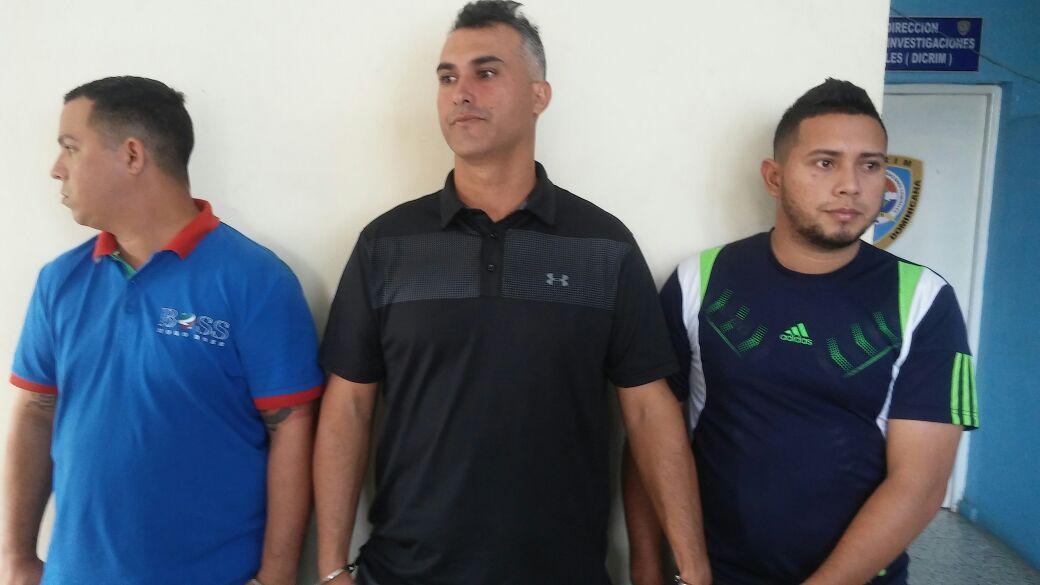 Venezolanos acusados de estafa cajero banco