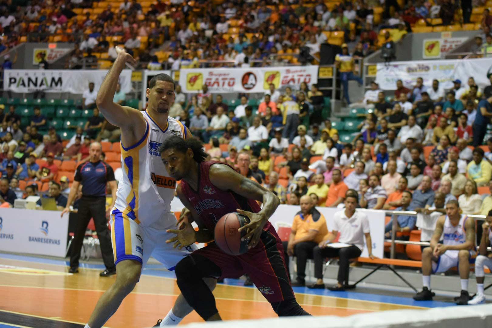 Metros caen en partido inaugural en la Gran Arena del Cibao