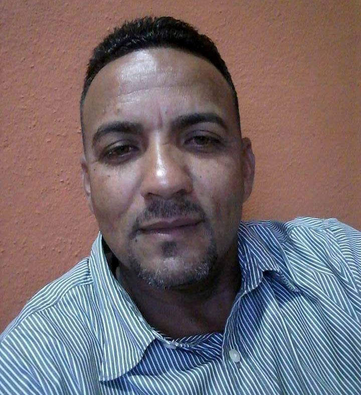 Encuentran muerto taxista de Uber