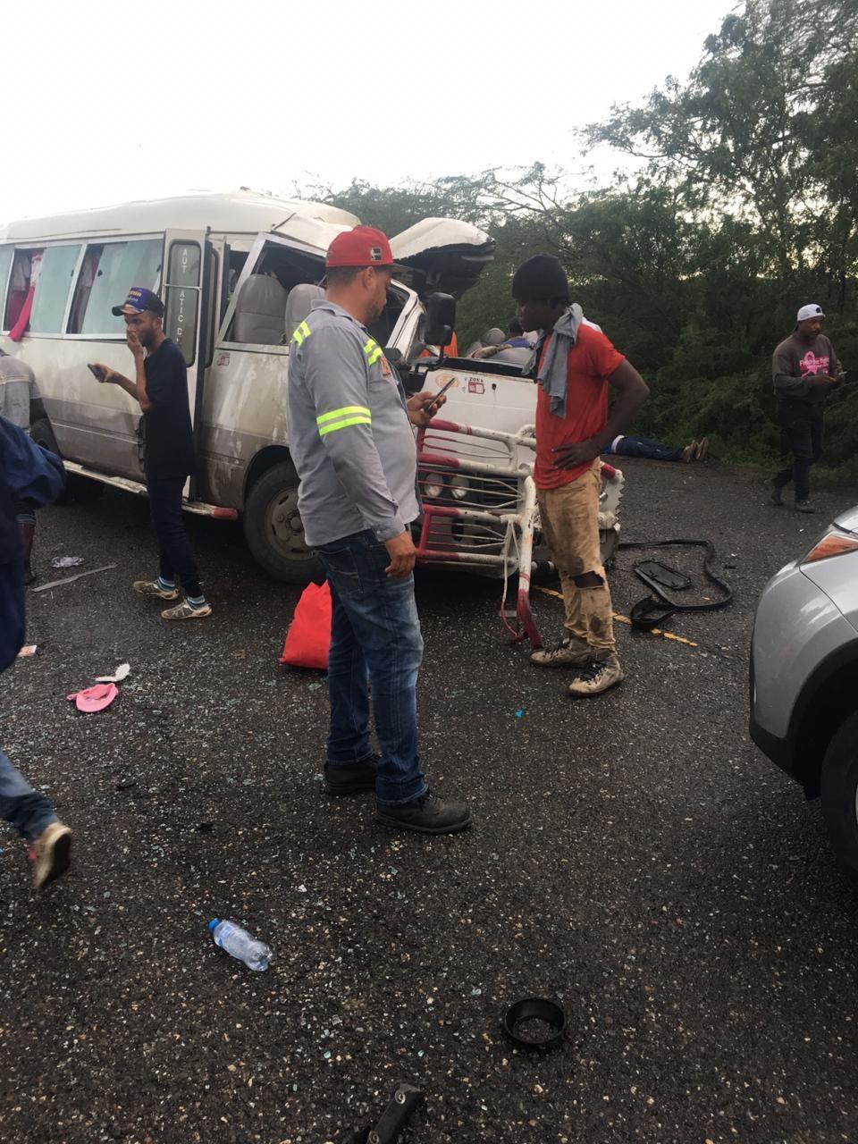 minibus accidente
